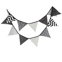 12 Drapeaux 3.2m Spécial Noir et Blanc Tissu de coton Bunting Drapeaux Flagship Banner Garland Baby Shower / Outdoor Tent Decoration à partir de tissu étamine bannière fournisseurs