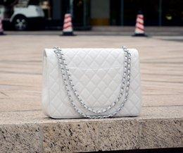 Chaîne grand sac à vendre-Fab Prix Grand Classique 30CM Maxi Blanc Caviar Véritable Cuir Double Flap Sacs à main Quilted Mode Sacs à bandoulière Femmes Or / Argent