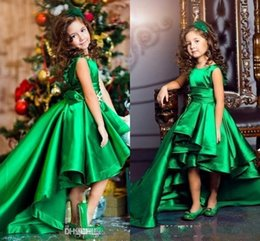 Emerald Green Satin Girls Pageant Dresses Crew Neck Cap Sleeves Short Kids Celebrity Dresses 2017 High Low Flower Girls Gowns