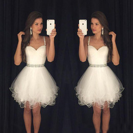 White 2017 Short Prom Dresses Modest Graduation Homecoming Dresses Cheap Spaghetti Straps Beaded Crystals Ruffles Party Gowns