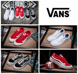 Wholesale STYLE PRO White Black Classic Skateboarding Shoes F173 Women And Mens Sneakers Canvas Casual Shoes Size