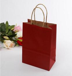 Latas de papel en Línea-2017 Nuevo caramelo llegado - coloreado envoltura de regalo del bolso de la ropa del bolso de papel del kraft del bolso y puede ser modificado para requisitos particulares
