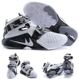 (Avec chaussures Boite) NOUVEAU James LeBron Zoom Soldat 9 GRIS BLANC NOIR Noir Bright Citrus 810803-098 Hommes chaussures taille 7-12 à partir de soldats lebron noir fabricateur