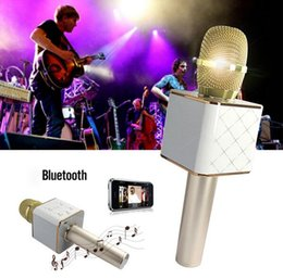 Wholesale Gold Q7 Mini Karaoke Player Wireless Condenser Microphone with Mic Speaker KTV Singing Record for Smart Phones Computer
