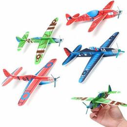 Planeadores de bricolaje en Línea-Venta al por mayor-5Pcs de la Segunda Guerra Mundial Espuma Glider Assorted Power Prop Flying Gliders Avión Avión Niños Niños DIY Puzzles Juguetes