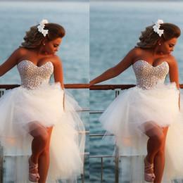 Vestido De Noiva New Unique Pearls Sweetheart White Tulle Short Front Long Back Wedding Dress Beach Knee Length Bridal Gown