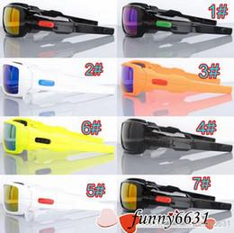 Espejo de cristal clásico en Línea-Los vidrios agradables de los nuevos hombres de la gafas de sol clásicas de los womans se divierten las gafas de sol que montan el espejo Los colores frescos del equipo 7 envían libremente