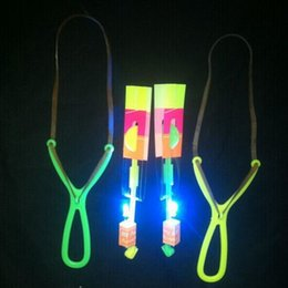 Wholesale fyling arrow slingshot baby toy with led shining best gift for kids