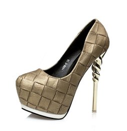 Promotion la conception de chaussures de couleur 2017 sexy femmes pompes métal couleur grille conception plateforme talons hauts chaussures 14cm taille 34 à 39