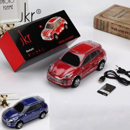 Boîte de haut-parleur de radio à vendre-Cool modèle de voiture Bluetooth Haut-parleurs sans fil Mini Subwoofers portatif mains libres Mic TF carte FM Radio haut-parleur pour cellulaires Retail Box