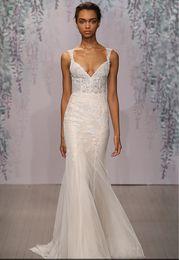 lace sheath wedding dresses 2017 MONIQUE LHUILLIER Plunging V-neckline spaghetti neckline sleeves zipper in back chaple train