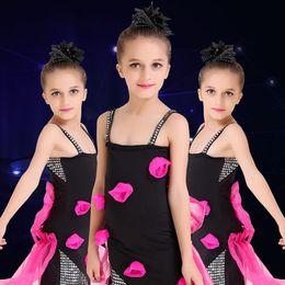 Jazz rosa en Línea-Niños rosados de Rose Muchachas modernas del vestido de la danza Danza del jazz Trajes de la demostración Los niños presentan los trajes de la demostración de la pista