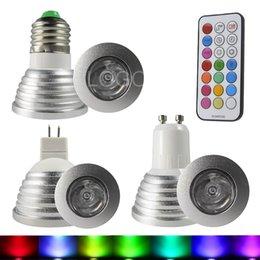 Descuento focos de colores Venta al por mayor-Nuevo RGB LED bombilla bulbo LED RGB E27 GU10 MR16 3W 85-265V RGB llevó la lámpara con control remoto Multicolor Led RGB lámpara