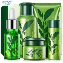Beauty Makeup Set Women Green Tea Hidratante Cuidados com a pele Pele Brilhante brilho suave Anti Rugas SoftCare Girls Set de