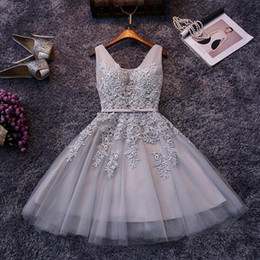 Cheap 2019 Short Cocktail Dresses Red Gray Blue Homecoming Dresses A Line V Neck Tulle Appliques Beaded Prom Gowns with Lace-up Back