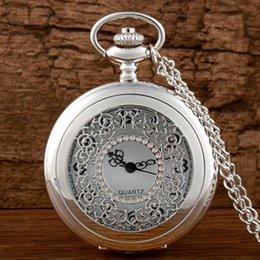 Reloj de bolsillo de plata de cuarzo de cuarzo antiguo mujeres relojes Fob Reloj retro colgante de collar esquelético hueco de la vendimia con regalos de cadena desde mujer del reloj del collar fabricantes