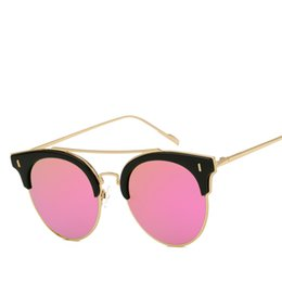 Wholesale New Men and Women Fashion Sunglasses High definition Comfortable Visual Sense Cool Trend Sunglasses Beach Outdoor Sunscreen Sunscreen