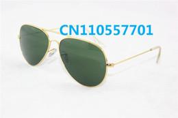 Wholesale El negro del marco del oro de las mujeres de los nuevos hombres de la manera liga venda las gafas de sol polarizadas con la caja Gafas de sol vendedoras calientes