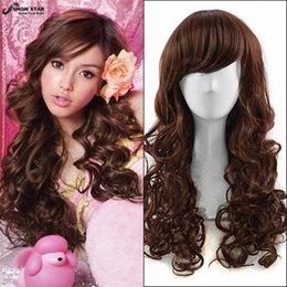 Pelo largo corte de pelo en Línea-60cm Brown oscuro Long Kinky Cortes de pelo rizado baratos resistentes al calor mujer peluca sintética Moda de pelo natural de las mujeres pelucas con Bangs Cosplay wome