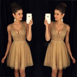 2018 Newest Deep V-neck Mini Short Homecoming Party Dresses Beaded Crystals Zipper Back Tulle Cocktail Dresses Special Occasion Dresses
