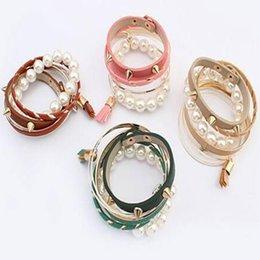 Acheter en ligne Femmes top perle-Bracelet Femme Bracelets de Mode Punk Rivet Bracelets Multi-Couches Femme Bracelet Faux Charme Faux Bracelets Design Wristband Top