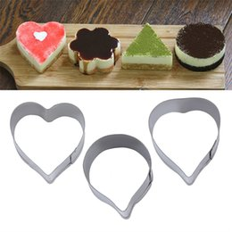 Wholesale Stainless Dedicate Hearts Cake Mold Process Decorative Wedding Sugar