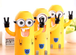 Wholesale New Cute Despicable Me Minions Design Set Cartoon Toothbrush Holder Automatic Toothpaste Dispenser