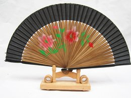 Wholesale Wedding fan new elegant variety of colors wedding party sweet bamboo hand fan national color fashion square bamboo hand fan characteristics