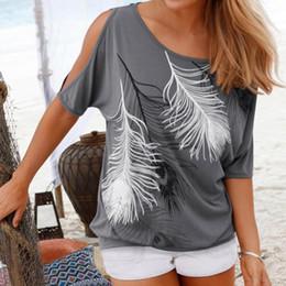 Compra Online Tipos de pantalones cortos para las mujeres-Las mujeres del verano de Wholesale-Femme rematan las camisas sin tirantes impresas pluma del O-cuello de la camiseta short-sleeved del hombro flojo Tipo