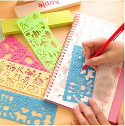 Wholesale New pattern childrens drawing template Art drawing ruler hollow drawing board childrens Toys Improve children hands on ability