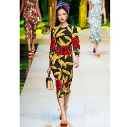 2017 vestidos de verano de la manga medio Runway Diseñador Rose bordado vestidos 2017 Primavera Verano Marca Moda Tres Quater manga Floral impresión lentejuelas Lápiz largo medio vestidos vestidos de verano de la manga medio en oferta