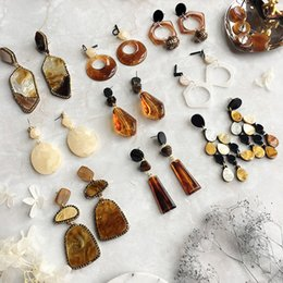 The new European and American series of women's earrings earrings, jewelry beautiful and generous, accessories in the boutique.