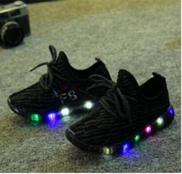 Lumières bottes en Ligne-Eur 21-35 enfants nouvelle mode enfants chaussures décontractées avec led light up chaussures de sport lumineuses glowing bottes enfants garçons filles chaussures de sport