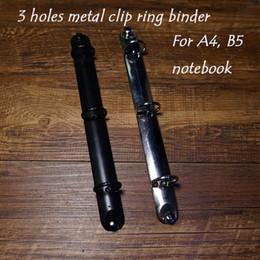 Venta al por mayor A4 B5 sueltan el cuaderno espiral del metal del cuaderno 3 agujeros la carpeta de anillo DIY rellenan los accesorios escolares de la carpeta del cuaderno del cuaderno desde a4 aglutinantes de anillos fabricantes