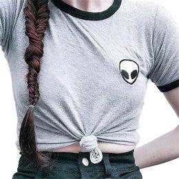 Descuento camisa de potencia Tumblr Alien T-Shirt Mujeres Verano Harajuku Girl Power Feminismo Graphic Cosecha Tops Manga Corta Camiseta Ropa Thrasher Bts