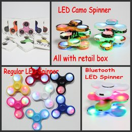 Wholesale 2017 Spinner à main de haute qualité Fidget Spinners LED Bat Camo Camouflage Spinners Pour décompression Bluetooth Finger Toys All In retail box