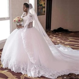 Lace Ball Gown Bridal Dresses V-Neck Sleeveless Wedding Gowns With Applique Beaded Back Zipper Tiered Custom Made Wedding Dresses 2017