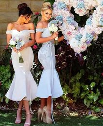 2017 Chic Tea Length Trumpet Short Bridesmaid Dresses Off the Shoulder Sleeveless Lace Appliqued Maid of Honor Dress for Weddings Concise
