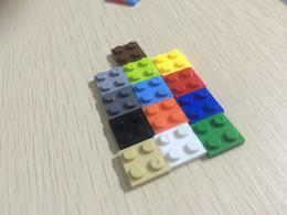 Wholesale 2x2 x1 x0 cm Bricks Building Bricks Set City DIY Creative Toys For Child Educational Bulk Brick Compatible