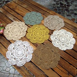 Wholesale Knitting Doily - Wholesale-Vintage Floral Hand Crochet Table Mat Handmade Solid Cotton Lace Knitted Doily Cup Pads Doilies Crochet Placemat Coasters 20CM