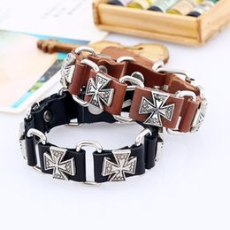 Retro punk leather wrist strap male female leather bracelet Variety of crystal bracelets different style are very popular