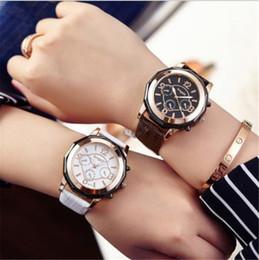 Moda Corea estilo PU cuero mujeres estudiantes, gils pulsera Relojes de acero con impermeable de cuarzo impermeable woman style waterproof watch deals desde mujer del estilo de reloj resistente al agua proveedores