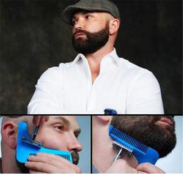 Descuento recortar las herramientas de corte 10 colores Beard Bro barba herramienta de modelado para líneas perfectas recortador de pelo para hombres plantilla recorte de pelo corte caballero modelado peine CCA5088 100pcs