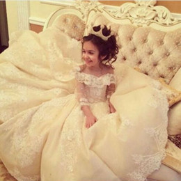 Princess Ball Gown Flower Girl Dresses Long Sleeve Lace Appliques First Communion Dresses Soft Tulle Lace Up Back Pageant Dresses