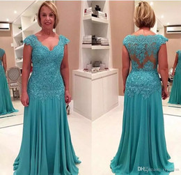 New Mother of the Bride Dresses 2020 V Neck Sleeveless A Line Moms Gowns Appliques Chiffon Floor Length Plus Size Evening Dresses