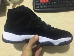 Promotion chaussures de sport pas cher 2017 Nouvelles femmes pas chers rétro 11 chaussures de basket-ball de l'héritage de velours d'herbe noire pour les hommes Chaussures de sport de plein air Livraison gratuite de goutte