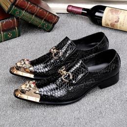 2017 los hombres hechos a mano de los zapatos oxford Zapatos de vestir de cuero genuino de la moda de los hombres de la alta calidad para los zapatos de vestido hechos a mano de los hombres de la manera de la boda de Oxford del Mens los hombres hechos a mano de los zapatos oxford oferta