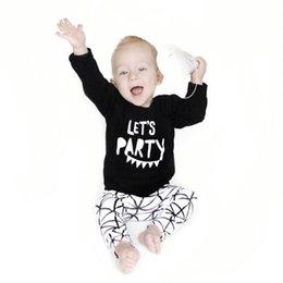Camisas novas do partido à venda-Atacado-2017 New baby boy roupas Set moda algodão de manga comprida partido Carta T-shirt + calças 2pcs s recém-nascido menina vestuário conjunto