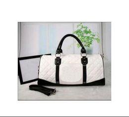 2017 New Women Fashion Waterproof Large Capacity 55CM Duffle Bag Girls Weekend Beach Luggage Bags Leather Travel Bag