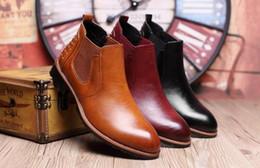 Descuento botas altas de tacón hombres señalaron dedos de los pies Botas de moda de tobillo botas de cuero de los hombres de Martin botas impermeables calientes botas de punta de invierno zapatos de tacón alto